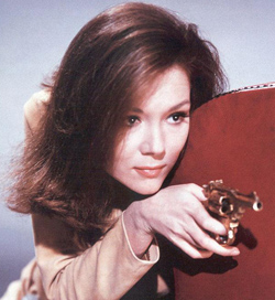 http://tansyrr.com/tansywp/wp-content/uploads/2011/01/emmaPeel.jpg